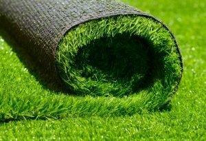 Выглядит красиво круглый год и не требует ухода. Почему иногда искусственная трава-это лучший выбор?