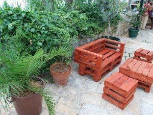 Мебель деревянная из родной сосны, акации или, может быть, с teaku? Посмотреть, которые стоит купить