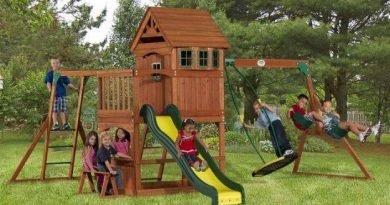 Безопасная детская игровая площадка в саду