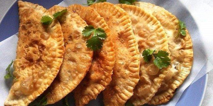 Чебуреки с мясом — очень вкусные рецепты чебуреков на удачном хрустящем тесте