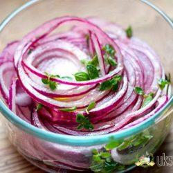 Маринованный лук — 9 рецептов, как замариновать лук в уксусе вкусно и быстро