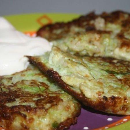 Пышные оладьи из кабачков: 9 самых вкусных и простых рецептов