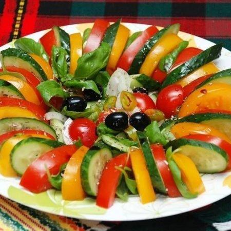 Салаты из свежих огурцов: 11 очень вкусных и простых рецептов